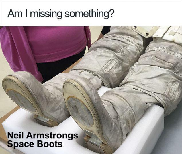 Οι μπότες της στολής που φορούσε ο Άρμστρονγκ και εκτίθεται στο Smithsonian