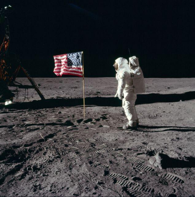 Κάποιοι δεν πείστηκαν ότι όντως ο Νιλ Άρμστρονγκ περπάτησε στο φεγγάρι και αποφάσισαν να ελέγξουν τα δεδομένα