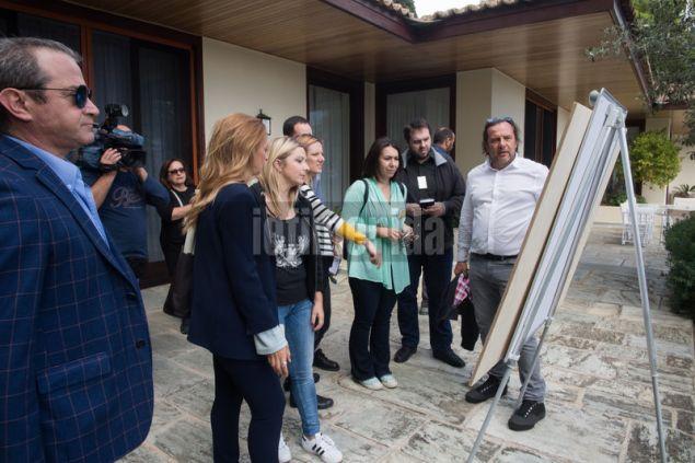 Ο εκπρόσωπος της οικογένειας Ρiμπολόβλεφ Σεργέι Τσερνίτσιν παρουσιάζει το master plan