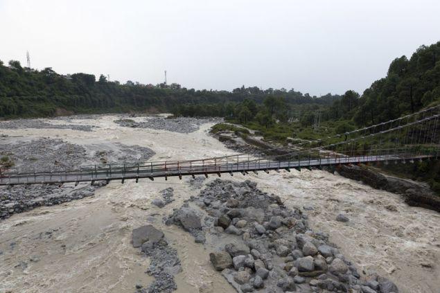 Ποτάμι μετά από σφοδρή καταιγίδα στην Ινδία
