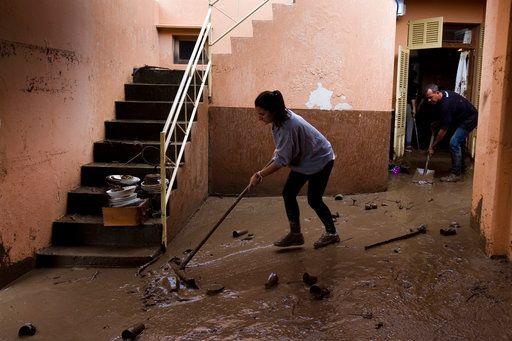 Πολλά σπίτια πλημμύρισαν