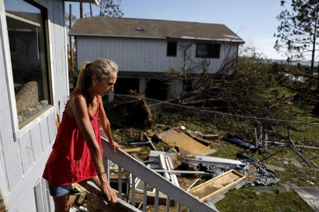 Τουλάχιστον 12 άνθρωποι έχασαν τη ζωή τους από τον κυκλώνα Μάικλ