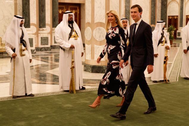 Eπίσκεψη του ζεύγους Τζάρεντ Κούσνερ-Ιβάνκα Τραμπ στη Σαουδική Αραβία. Φωτογραφία: AP Photo/Evan Vucci, File