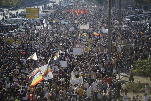 Σύμφωνα με τους διοργανωτές, αναμένονταν περί τους 40.000 διαδηλωτές