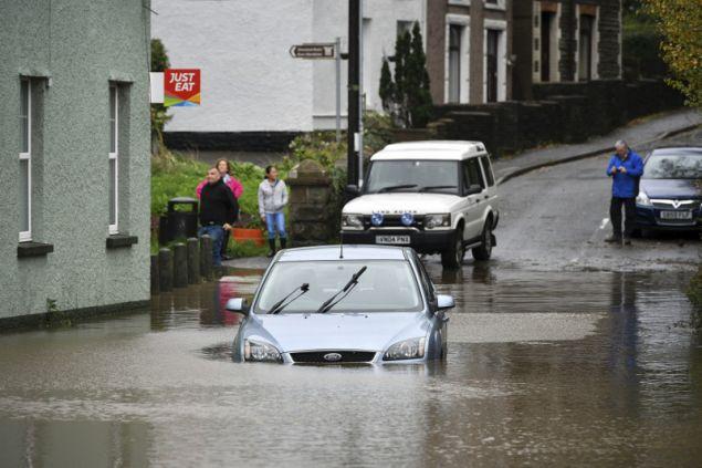 Η μετεωρολογική υπηρεσία, εξέδωσε έντεκα προειδοποιήσεις για πλημμύρες στην Ουαλία και την Αγγλία