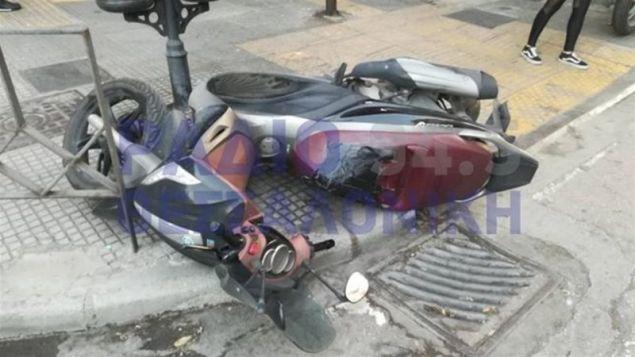Φθορές σε σταθμευμένη μοτοσικλέτα