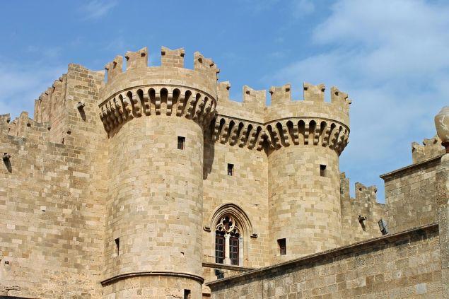 Το παλάτι του Μεγάλου Μαγίστρου, στην μεσαιωνική πόλη της Ρόδου/ φωτογραφία: pixabay
