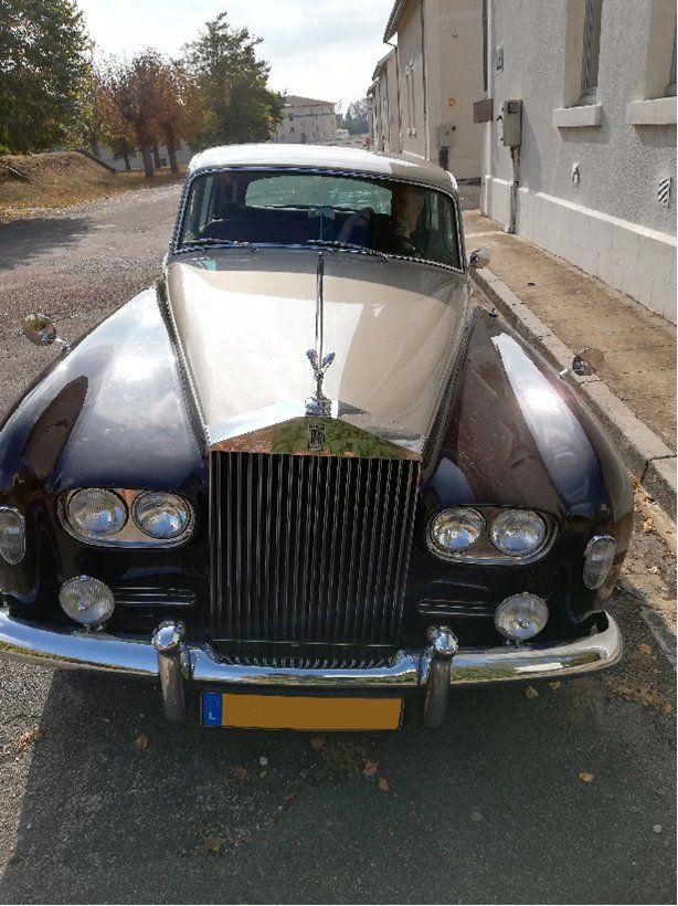 Η vintage Rolls Royce Phantom