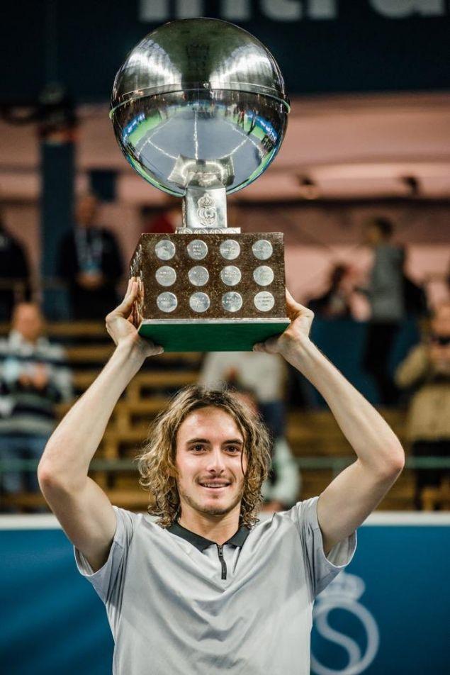 Ο πρώτος Έλληνας που κερδίζει τίτλο σε τελικό ΑTP (Association of Tennis Professionals) έγινε το απόγευμα της Κυριακής ο Στέφανος Τσιτσιπάς.
