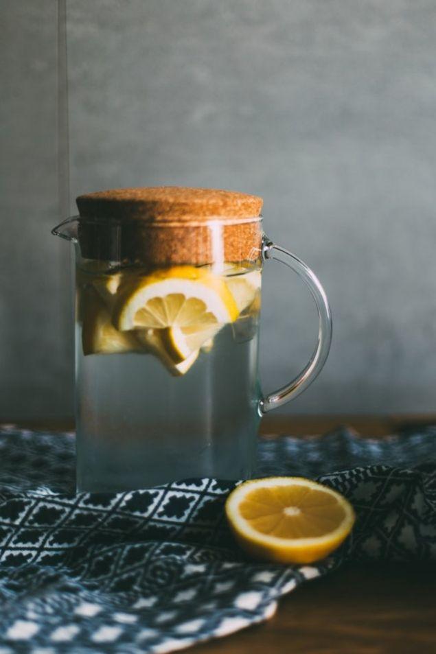 Νερό με λεμόνι (Φωτογραφία: Unsplash)