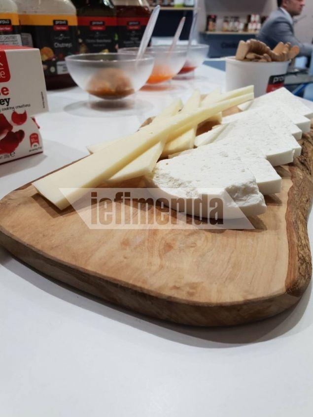 Τα πλατό με τα τυριά έγιναν ανάρπαστα