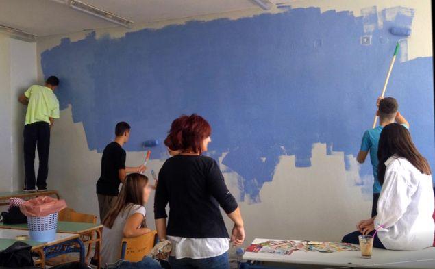 Ο Δήμος Καβάλας ανταποκρίθηκε στο κάλεσμά τους διαθέτοντας τα χρώματα και σχεδιαστικά υλικά