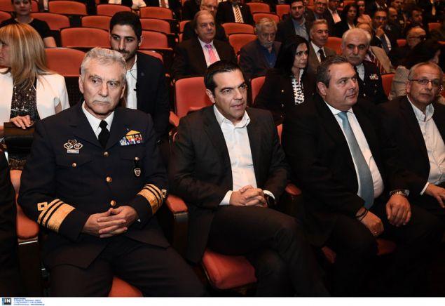 Ο αρχηγός ΓΕΑ, ο πρωθυπουργός και ο υπ. Αμυνας -Φωτογραφία: Intimenews/ΒΑΡΑΚΛΑΣ ΜΙΧΑΛΗΣ