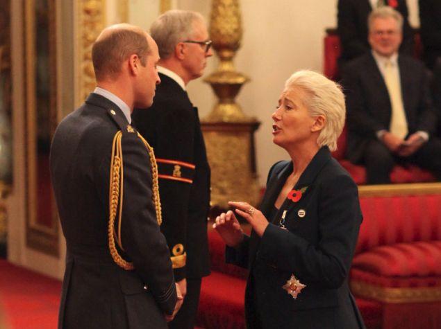 Να κοκκινίσει τον Πρίγκιπα Γουίλιαμ κατάφερε η ηθοποιός Εμμα Τόμσον, η οποία τιμήθηκε από τον γαλαζοαίματο σε μία μικρή τελετή που έγινε για χάρη της.