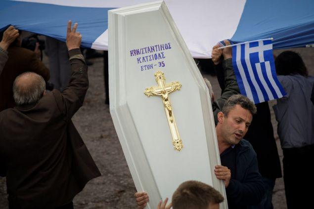 Στην κηδεία παραβρέθηκαν πάνω από 2.000 άτομα από την Αλβανία αλλά και από την Ελλάδα