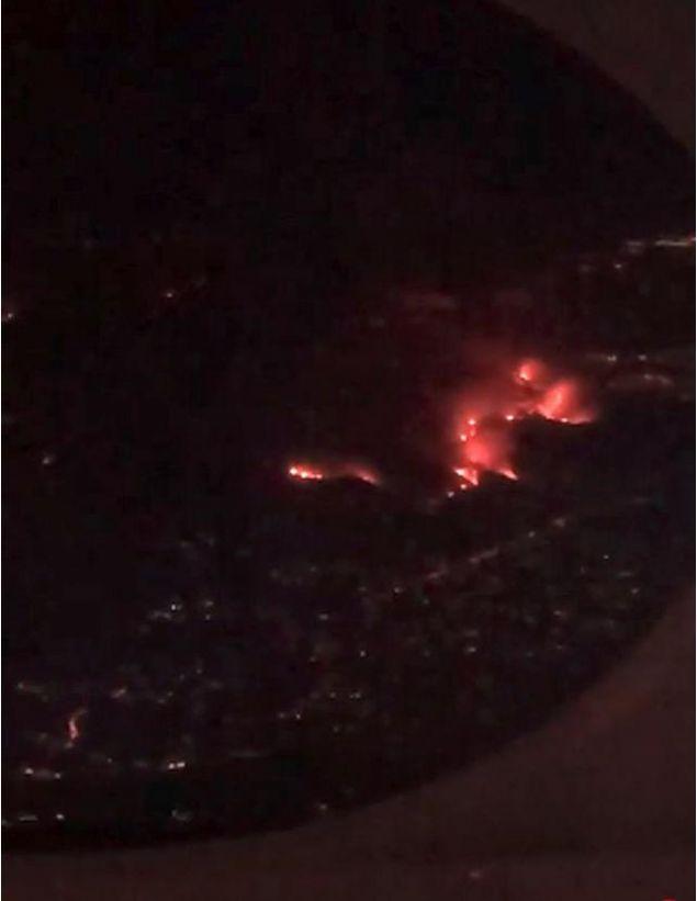 Η Κιμ ενημέρωσε αρχικά για την πυρκαγιά από την στιγμή που ήταν στο ιδιωτικό της αεροπλάνο