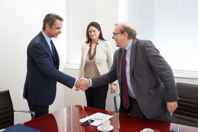 Συνάντηση με τον πρόεδρο, τον αντιπρόεδρο και μέλη του ΔΣ της Πανελλήνιας Ομοσπονδίας Συλλόγων Διδακτικού και Ερευνητικού Προσωπικού (ΠΟΣΔΕΠ) είχε σήμερα ο πρόεδρος της Νέας Δημοκρατίας, Κυριάκος Μητσοτάκης.