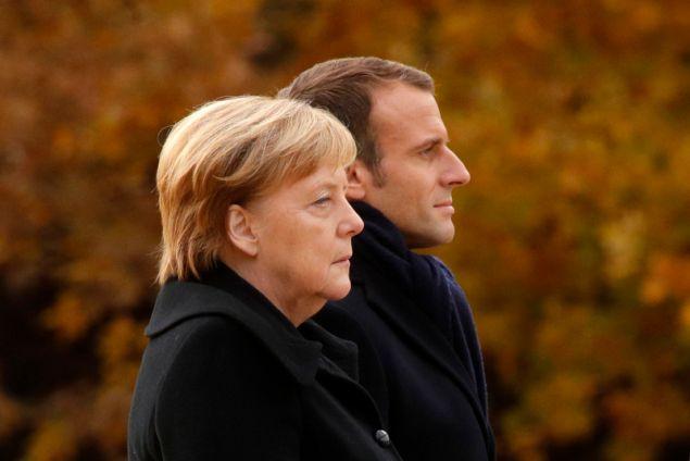 Οι δύο ηγέτες έκαναν τα αποκαλυπτήρια πλακέτας, φόρο τιμής στη συμφιλίωση και την φιλία μεταξύ των αντιπάλων στους δύο παγκόσμιους πολέμους