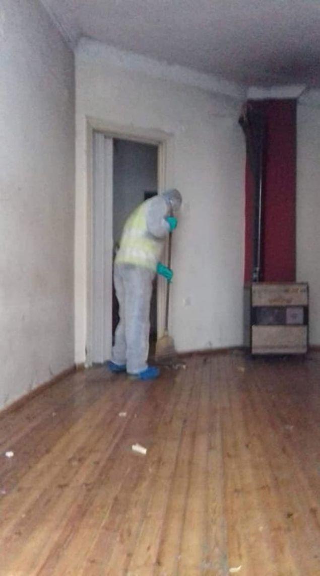 Επιχείρηση καθαρισμού στήθηκε σε διαμέρισμα στη Θεσσαλονίκη που δημιουργούσε σοβαρό υγειονομικό πρόβλημα.
