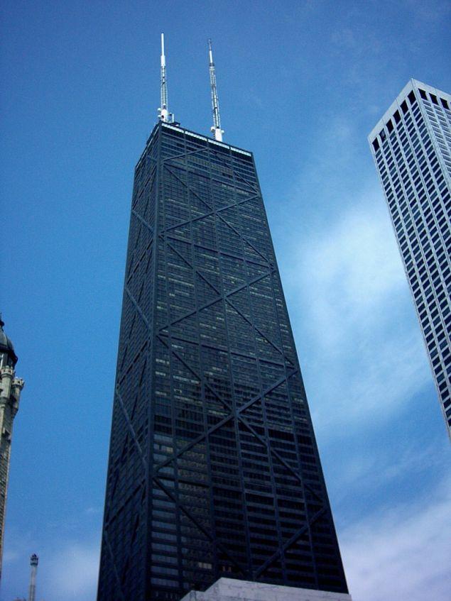 Ο ουρανοξύστης όπου σημειώθηκε το περιστατικό είναι το 4ο ψηλότερο κτίριο στο Σικάγο