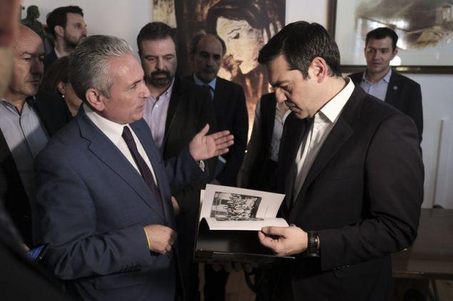 Ο κ. Τσίπρας με τον δήμαρχο Καλαβρύτων Γιώργο Λαζουρά