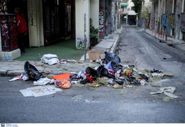 Η εικόνα της γειτονιάς μετά τα χθεσινά εκτεταμένα επεισόδια- φωτογραφία intimenews