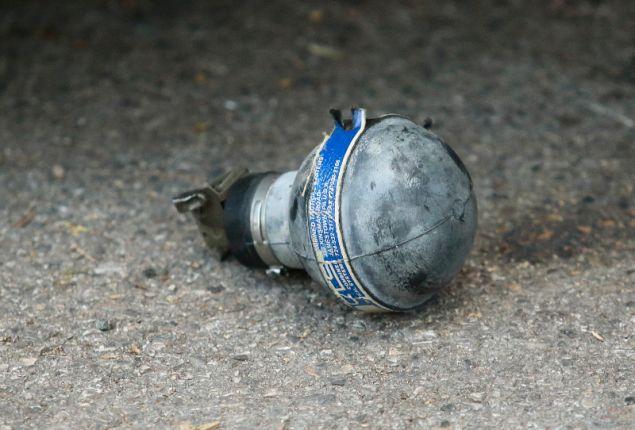 Πέταξαν πέτρες και άλλα αντικείμενα