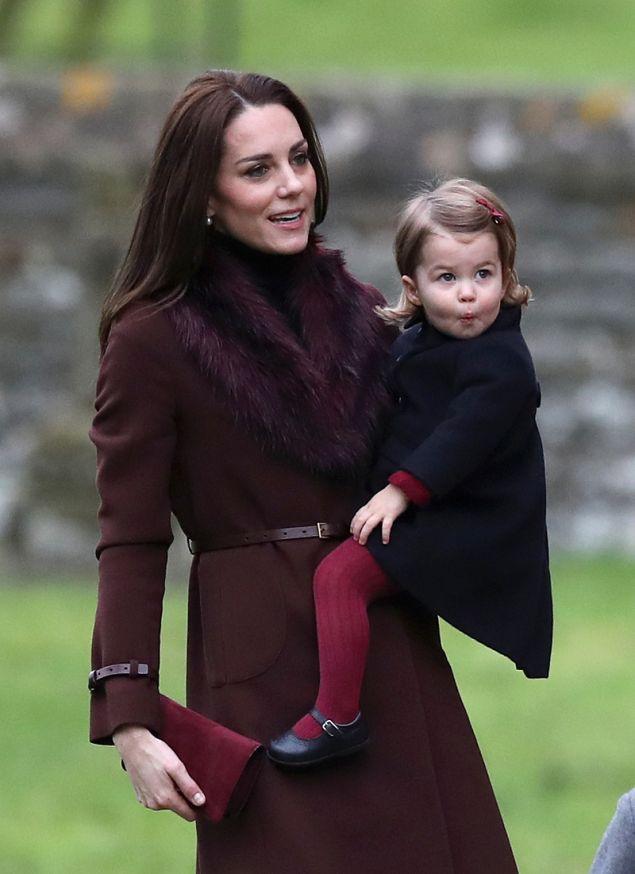 Η Κέιτ με τον σύζυγό της και τα παιδιά τους πέρασαν τα Χριστούγεννα του 2016 με τους Μίντλετον