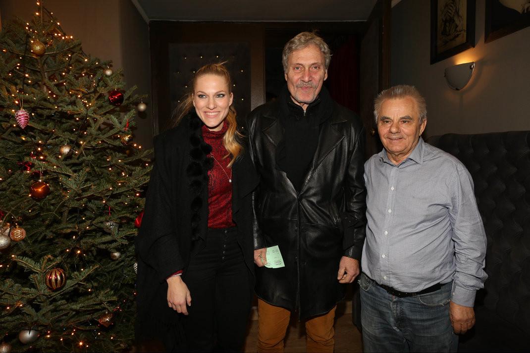 Σάρα και Αλμπέρτο Εσκενάζυ με τον Δημήτρη Μαροσούλη /NDP Photo Agency