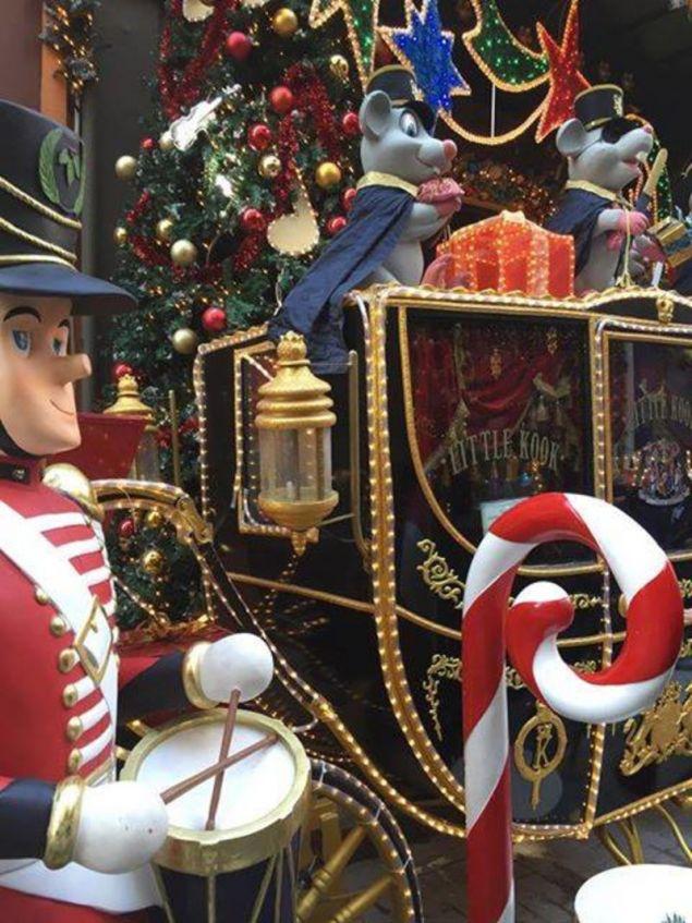 Η μαγεία των Χριστουγέννων στο κέντρο της Αθήνας