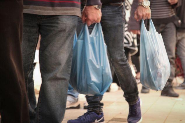Μειώθηκε η χρήση της πλαστικής σακούλας