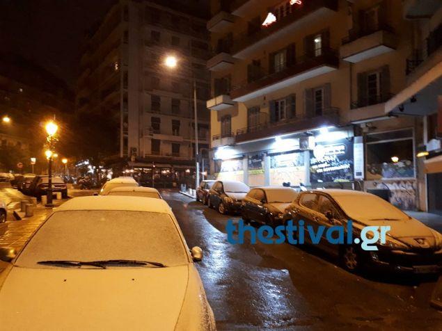 Η ΕΜΥ προβλέπει έντονη χιονόπτωση σήμερα στο κέντρο της Θεσσαλονίκης