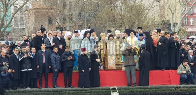 Μαζί με τον Οικουμενικό Πατριάρχη και ο Μητροπολίτης Κιέβου