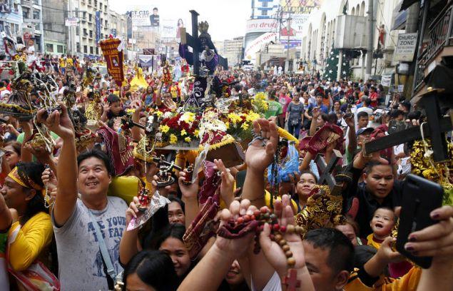 Η ετήσια λιτανεία του Μαύρου Ναζωραίου στη Μανίλα είναι  από τις πιο εντυπωσιακές εκδηλώσεις αφοσίωσης των ρωμαιοκαθολικών  (Φωτογραφία: ΑΡ)