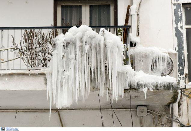 Παγωμένος ο όροφος -και το κλιματιστικό- του ηλικιωμένου / Φωτογραφία: InTime News