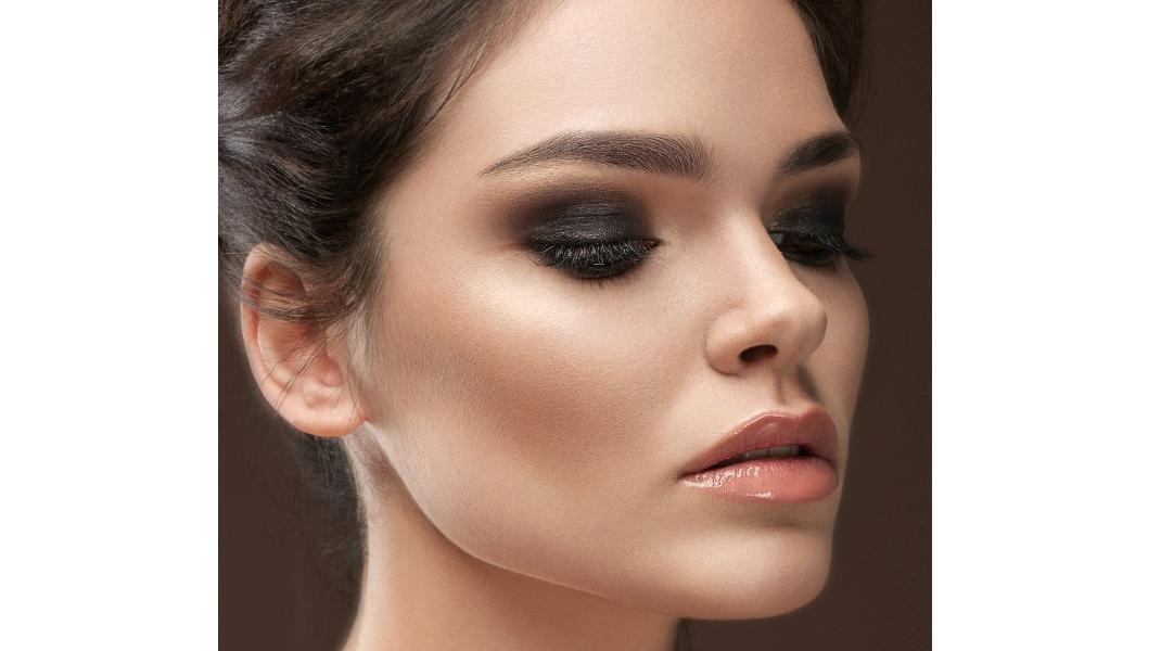 Μακιγιάζ ματιών/Shutterstock