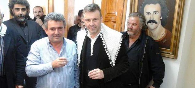 Στην Κρήτη, όταν ίδρυσε την «Τελεία»
