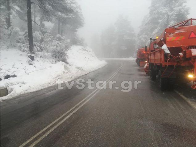 Χιονίζει από το πρωί του Σαββάτου στον Άγιο της Εύβοιας, φωτογραφία, tvstar