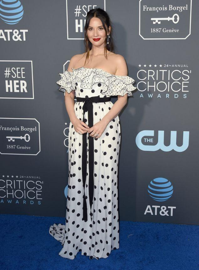 Η Ολίβια Μουν με φόρεμα σε στυλ φλαμένκο