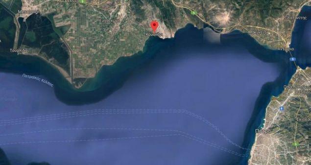 Η κηλίδα καυσίμων βρίσκεται σχεδόν στο μέσον του Πατραϊκού Κόλπου / Φωτογραφία: Google