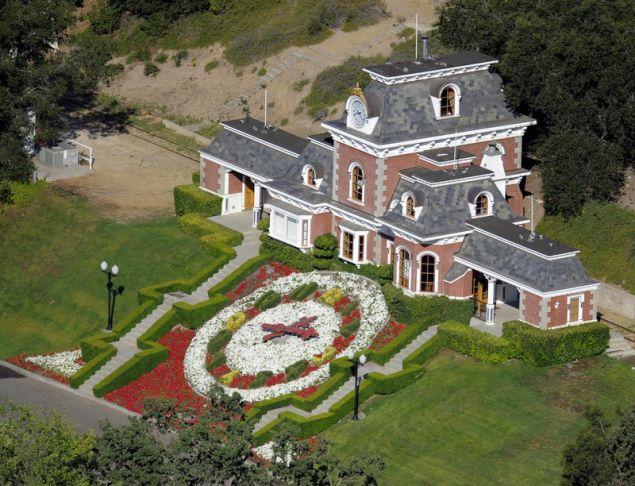 O Tζάκσον είχε μετατρέψει το Neverland Ranch σε κολαστήριο σεξουαλικής κακοποίησης παιδιών, υποστηρίζουν οι Σέιφτσακ και Ρόμπσον (Φωτογραφίες αρχείου: ΑΡ)
