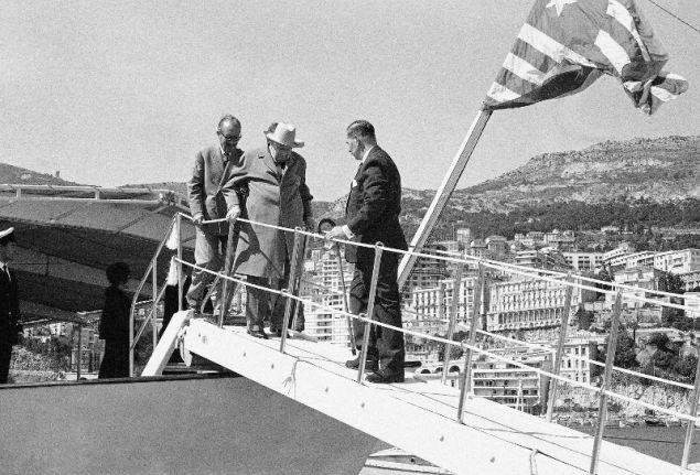 Ο Ουίνστον Τσόρτσιλ στην θαλαμηγό του Ωνάση.