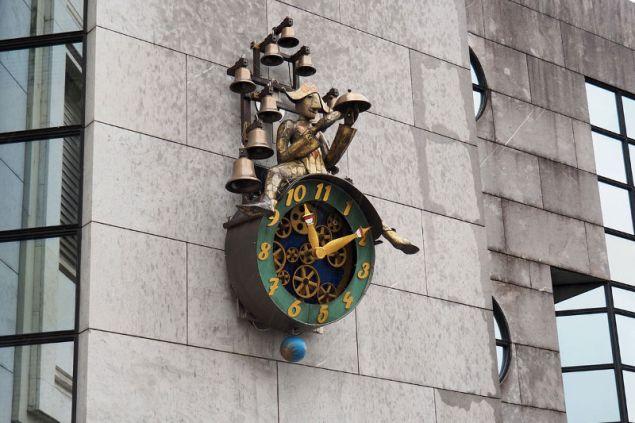 Το ιδιαίτερο και μοναδικό ρολόι της πόλης με τα 11 ψηφία