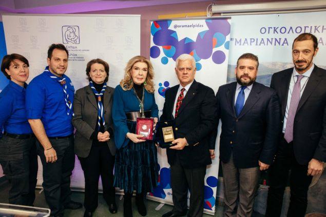 Η Μαριάννα Β. Βαρδινογιάννη τιμά το Σώμα Ελλήνων Προσκόπων