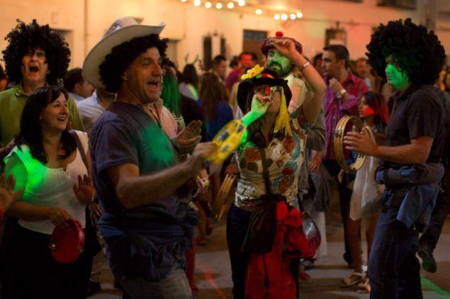 Οι επισκέπτες και οι ντόπιοι γιορτάζουν την Πρωτοχρονιά με γλέντια που κρατούν μέχρι το πρωί. Αλλά το Νέο Έτος σε αυτή την πόλη έρχεται στις 6 Αυγούστου