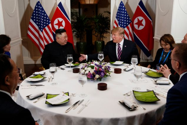 Από το δείπνο των δύο ανδρών (Φωτο: ΑΡ/Evan Vucci)
