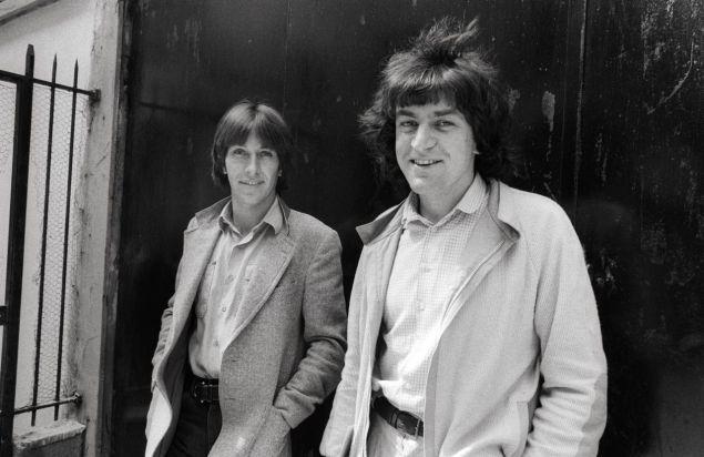 Ο Πασκάλ Μπρυκνέρ και ο Αλέν Φινκελκρότ, το 1979. Εχουν γράψει μαζί δύο βιβλία