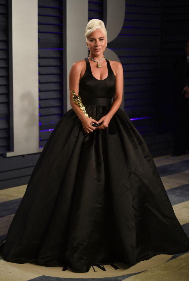 Η Lady Gaga με φόρεμα Brandon Maxwell