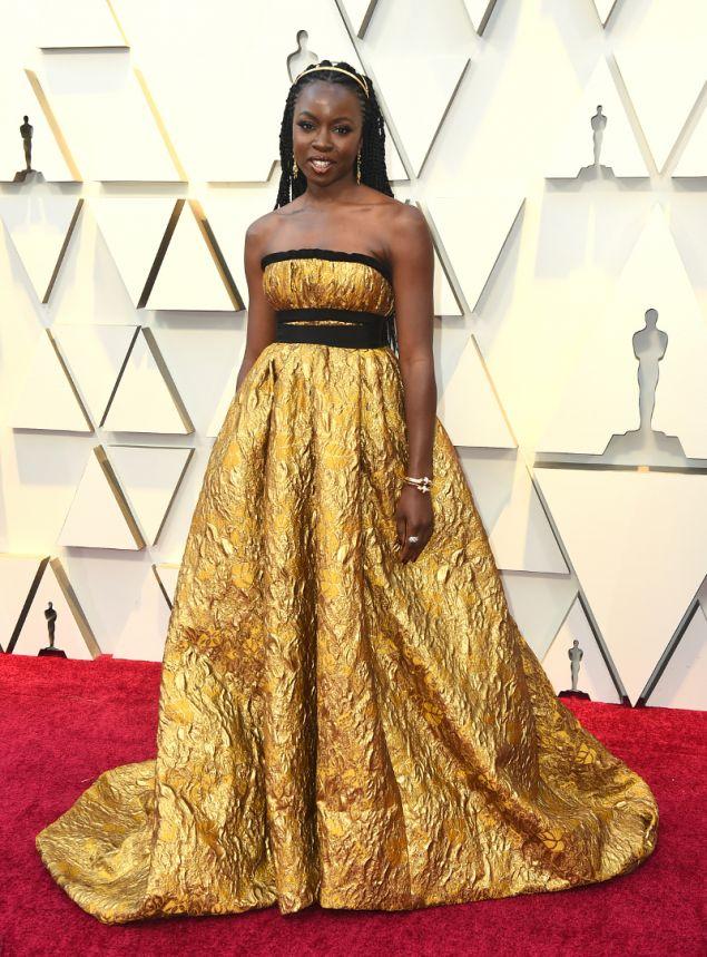 Η Δανάη Γκουρίρα με φόρεμα Brock Collection