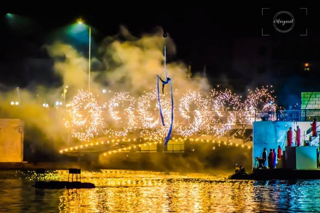 Υπερθαλάσσιες κατασκευές, ιπτάμενες φιγούρες, ενώ για άλλη μια χρονιά η εναέρια χορευτής, Κατερίνα Σολδάτου, θα μεγέψει το κοινό